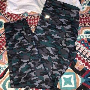 Camo Capri Fabletics leggings! Excellent condition